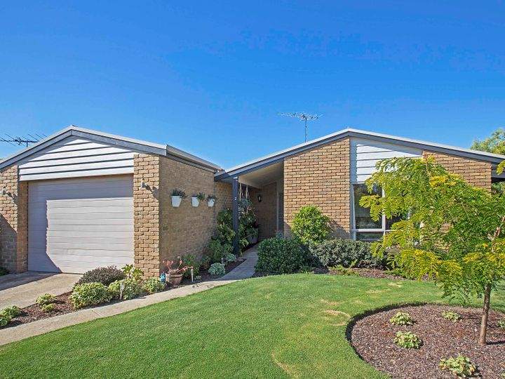 2 Canowindra Place, Grovedale, VIC