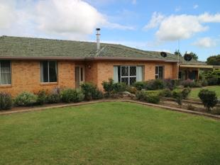 Brick Home and Acres - Glen Innes