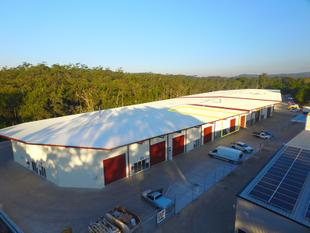 Warehousing on the Bruce Highway Forest Glen - Forest Glen
