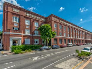 Top Floor Wool Store Apartment in the Heart of Teneriffe - Teneriffe