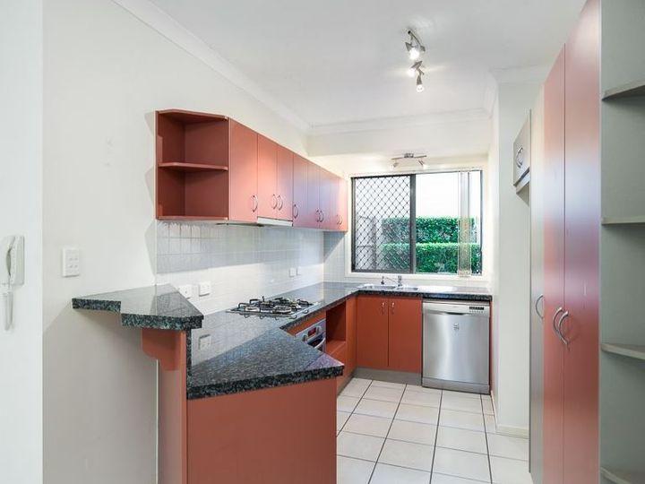 4/34 Douglas Street, Greenslopes, QLD