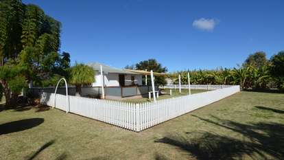 208 South River Road, Carnarvon