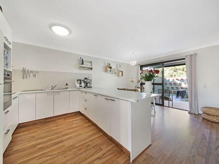 2/53 Treeview Drive, Burleigh Waters, QLD