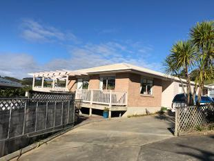 GREAT BUYING IN COOPERS BEACH - Coopers Beach