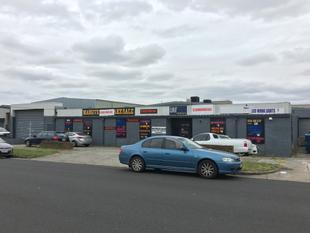 CHEAPEST  OFFICE / WAREHOUSE IN MOORABBIN  - FIRST YEAR RENT INCENTIVE (LEASE FROM $48 PSM/PA*) - Moorabbin