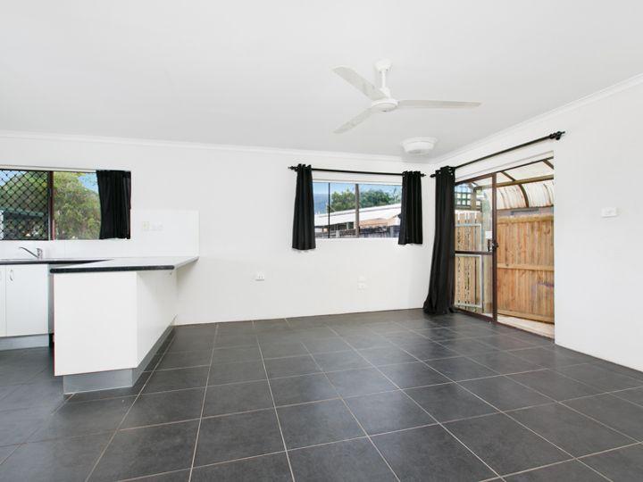 1/43 Sandown Close, Woree, QLD