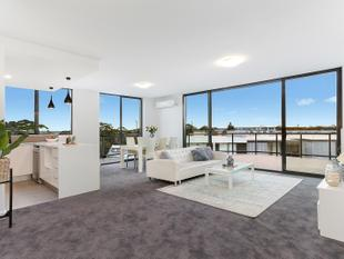 Amazing Sub Penthouse Apartment With Panoramic Views of the CBD to Botany Bay - Botany