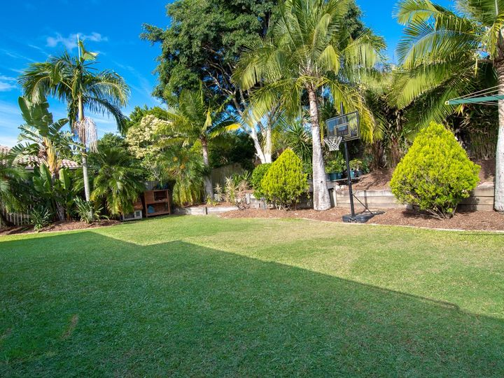 37 Allied Drive, Arundel, QLD