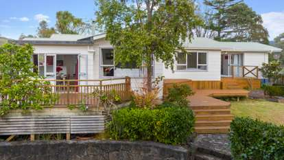 16 Coulter Road, Swanson