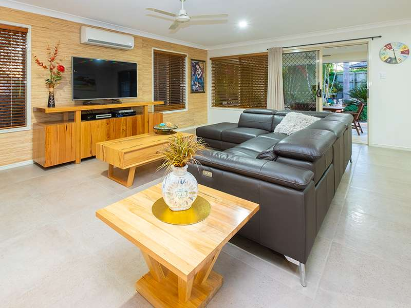 6 Flordabelle Place, Heritage Park, QLD 4118