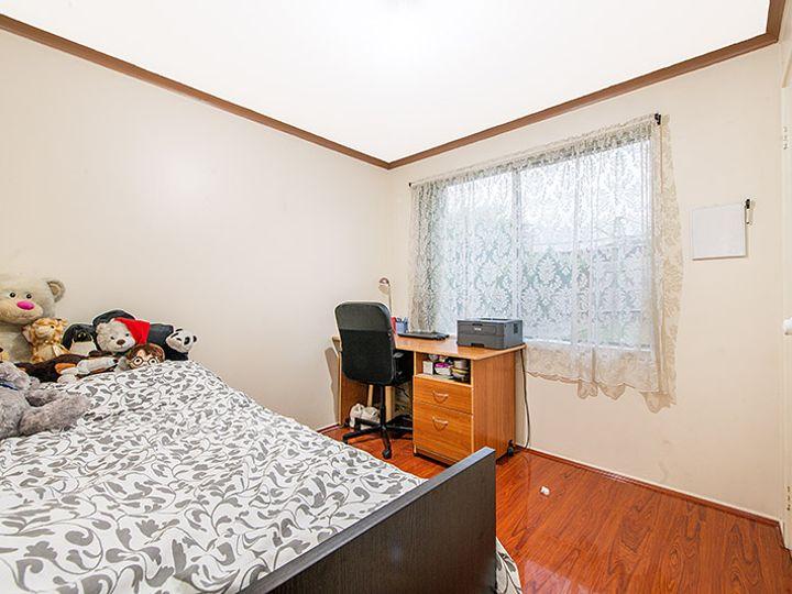 12 Manatoka Crescent, Hampton Park, VIC