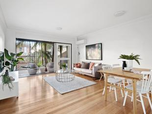 Torrens living with strata convenience - Newtown