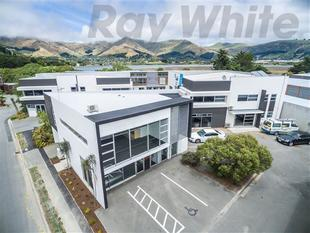 50m2 Office By The Sea - Ferrymead