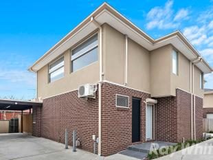 Luxurious Townhouse in Central Noble Park - Noble Park