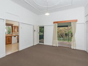 Fabulous Home With Garden Maintenance Included - Ashgrove
