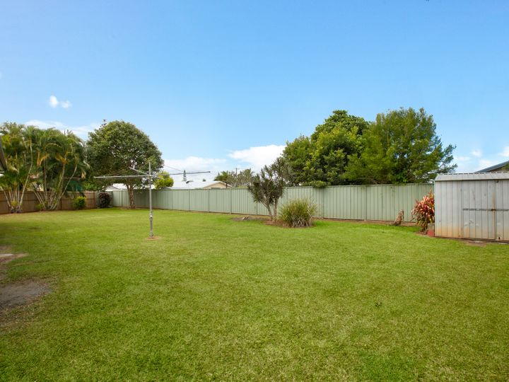 1 Bounty Close, Bentley Park, QLD