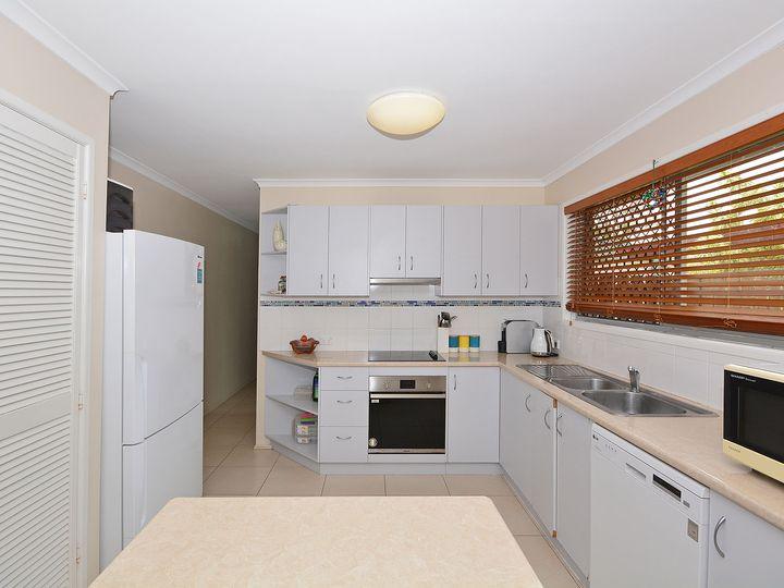 39 Hayworth Street, Point Vernon, QLD