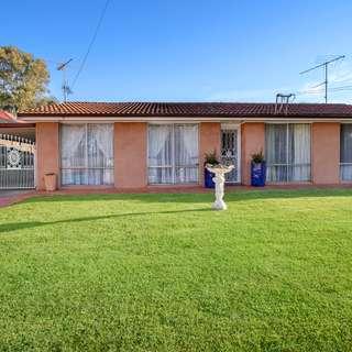 Thumbnail of 14 Macquarie Place, Glossodia, NSW 2756