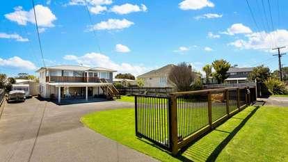 9 Stokes Avenue, Te Atatu Peninsula