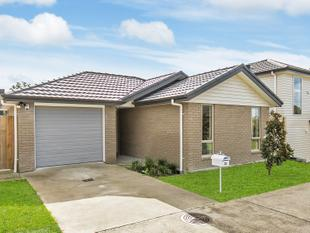 JUST LIKE NEW,  BRICK & TILE,  FREEHOLD - Glen Eden West