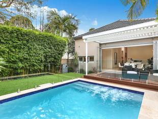 Elegant Family Home Of Convenience In Blue Chip Locale - Bellevue Hill