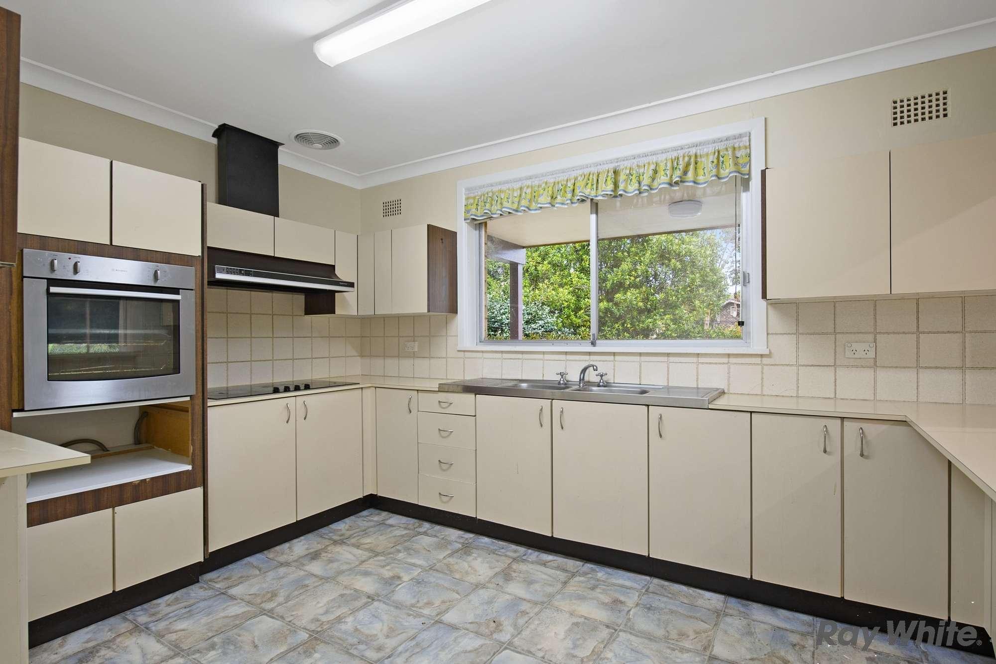 10 Garthowen Crescent, Castle Hill, NSW 2154