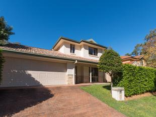 GREAT LOCATION LARGE FAMILY HOME - The Gap