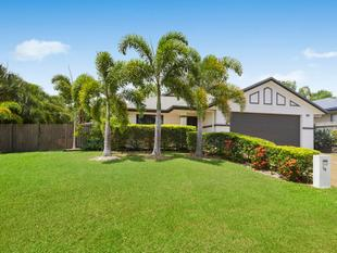 Perfect fusion of indoor and outdoor living on 939sqm block - Douglas