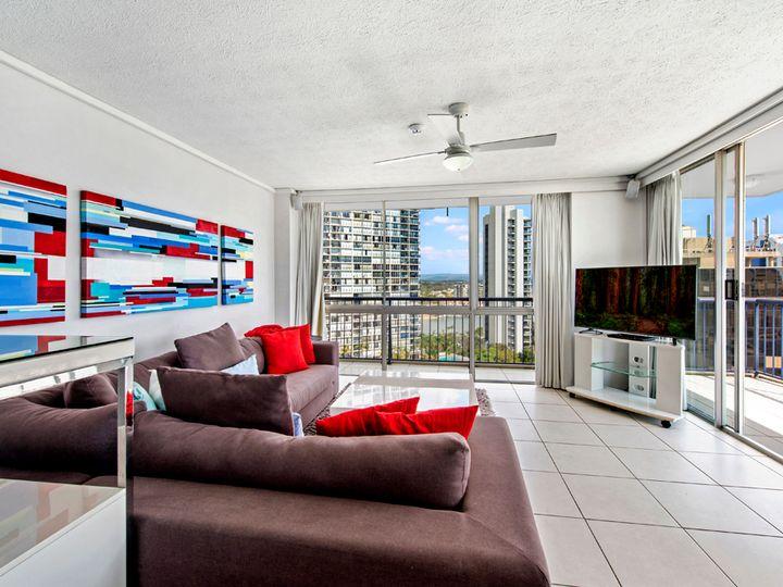 67 Ferny Avenue, Surfers Paradise, QLD