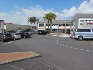 Retail - Wairau Road Vicinity - Glenfield