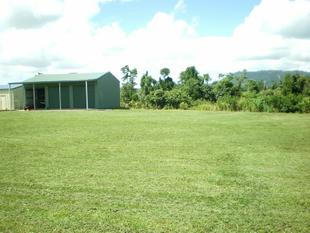 SHED ON 1800m2 MENA CREEK - TOWN WATER -  PRICE DROP ! - Mena Creek