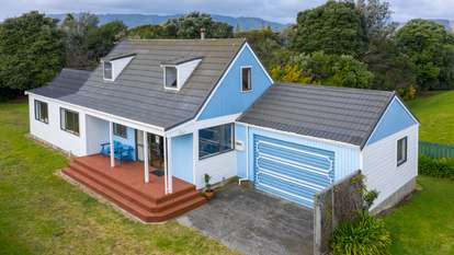 13 Hastings Street, Waikanae Beach