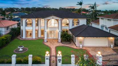 10 Meadow Place, Sunnybank Hills