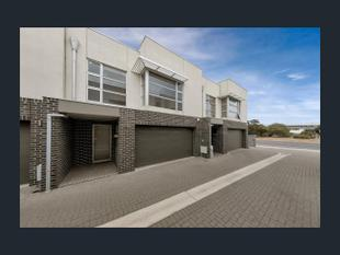 Beachside Living at its best - Semaphore Park