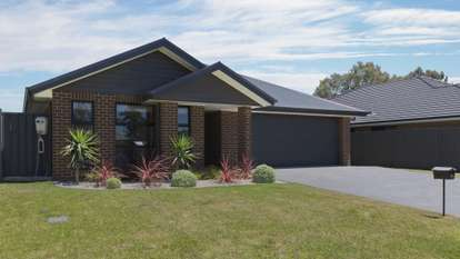 6 Stone Place, GOULBURN