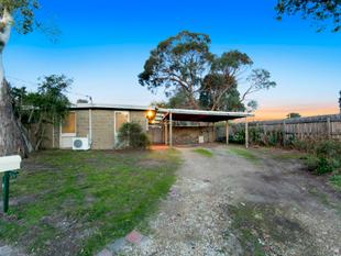 Parkside home with timeless potential - Frankston
