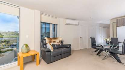 204/3 Rose Garden Lane, Albany