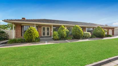 5 Lancia Drive, Keilor Downs