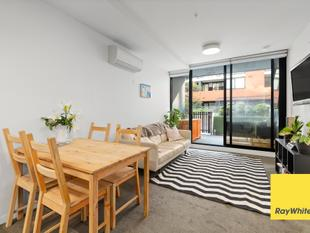Modern living and the best of Victoria Street metres away! - Abbotsford