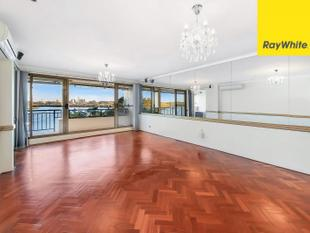 THREE BEDROOM APARTMENT WITH WATER VIEWS! Call 0404 348 981 - Mortlake