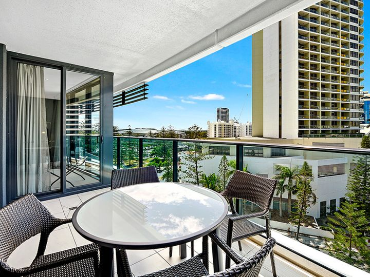 20604/21 'Oracle' Elizabeth Avenue, Broadbeach, QLD