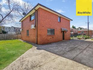 Large & Affordable Three Bedroom Home For Lease! 0422 807 874 - Burwood