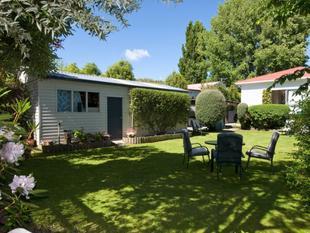 Riverside Cottage Neg Over $319,000 - Beckenham