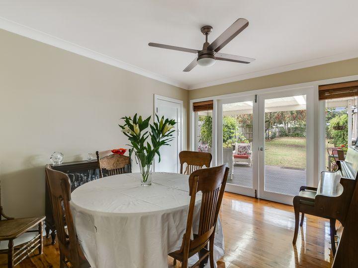 8 Beatty Street, Mount Lofty, QLD