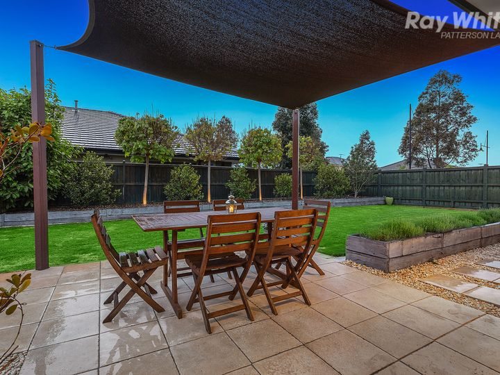 1 Lorikeet Lane, Waterways, VIC