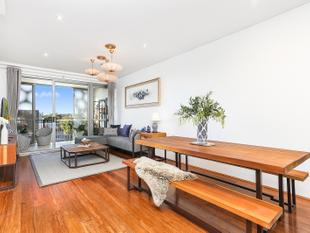 Exclusive Designer Apartment with Private Sky-Garden Oasis - Rosebery