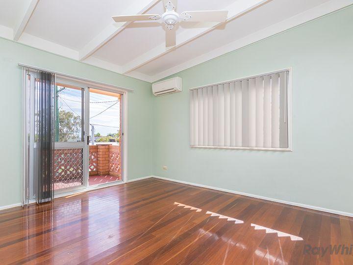 4A Palmtree Avenue, Scarborough, QLD