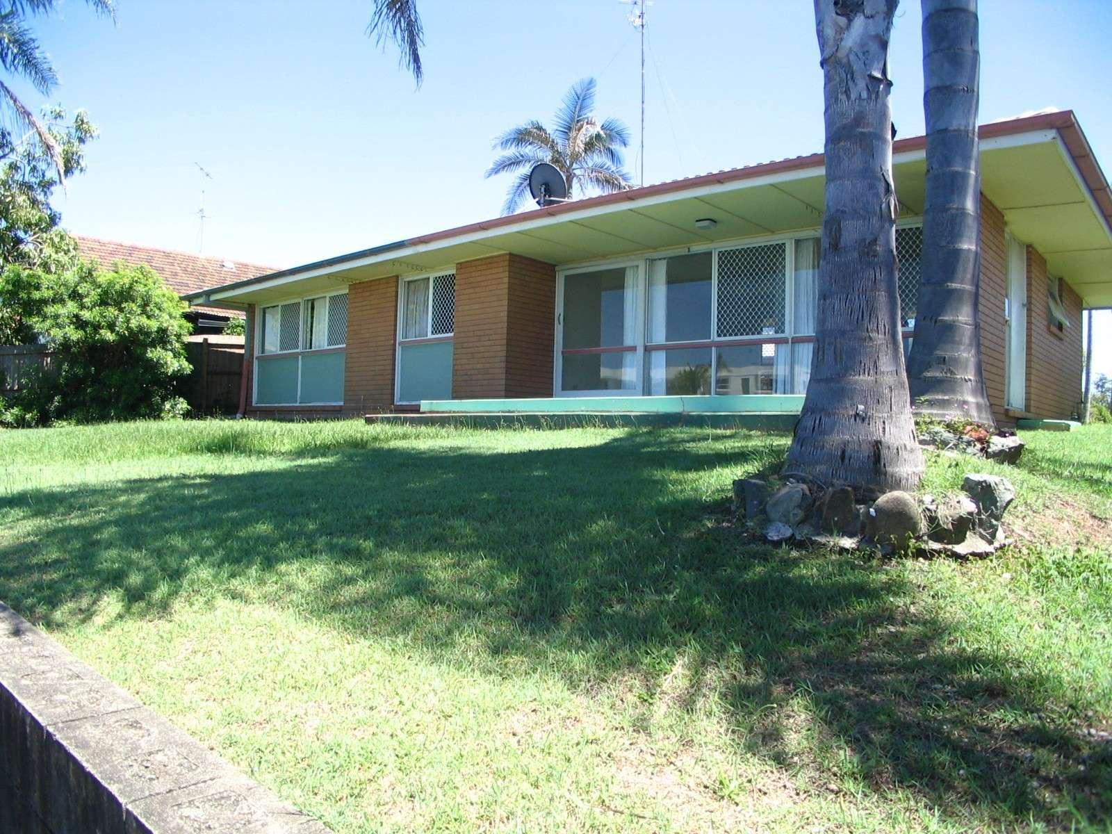 133 Allambi Avenue, Broadbeach Waters, QLD 4218