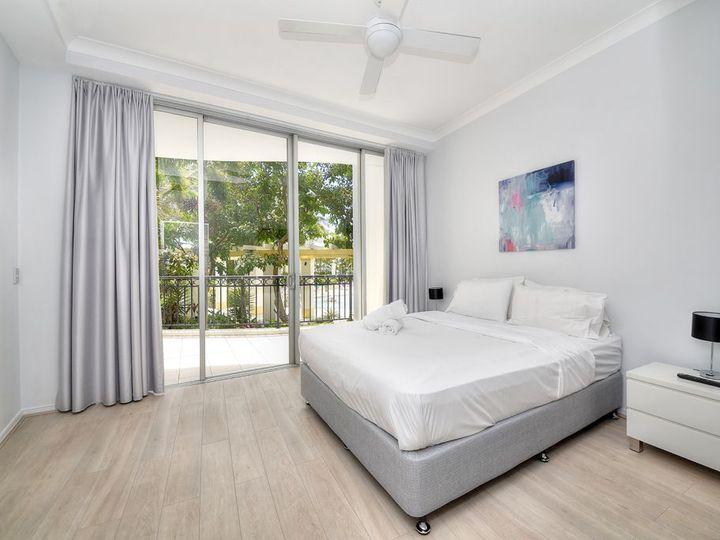 2064/23 Ferny Avenue, Surfers Paradise, QLD