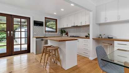 64 Lyttleton Crescent, Cook